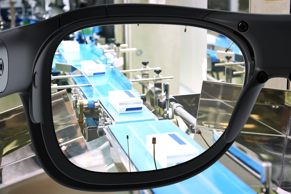 Looking at a production line using Tobii Pro Glasses 3